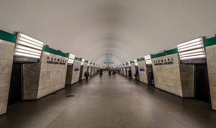 Реклама на 3 линии метро